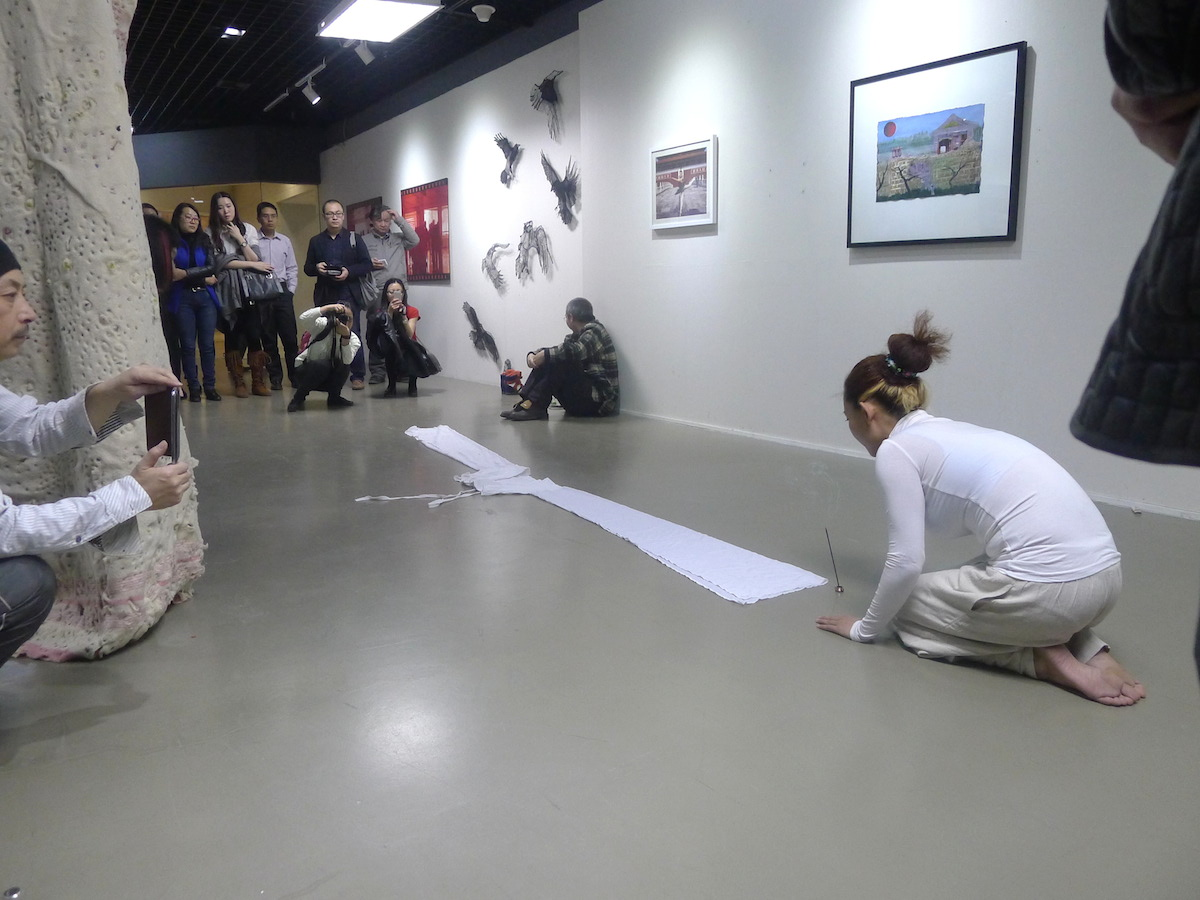 Aei Fei Art Performance at Shadows Irish Wave 2014